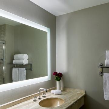 Upgraded 1st Floor Bathroom